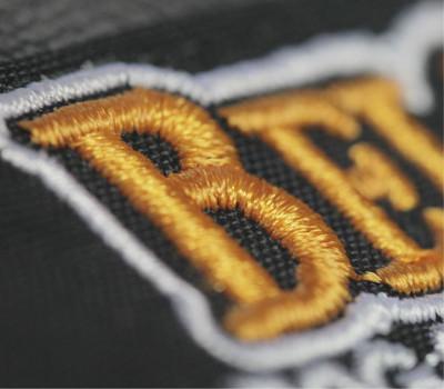 Logo-einstickung-berufsbekleidung-workline-marl